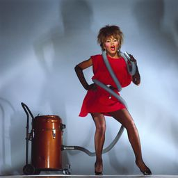 Tina Turner - singing in a vacuum